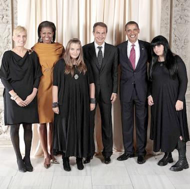 Fotografía Oficial De La Casa Blanca Con La Imagen De Las Hijas Del Presidente Rodríguez Zapatero Censurada En España Hoy En Delaware News