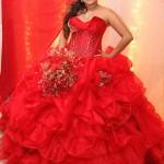 Angela luciendo su vestido diseñado por Adan Terríquez