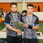 Cuervos con el trofeo de subcampeón.