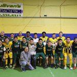 Los dos equipos al finalizar el encuentro (Foto cortesía Intereses Latinos).